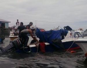 speedboat-terbalik